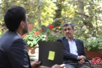 واکنش دکتر احمدینژاد به عکس فتوشاپی با سیبیل خودش!