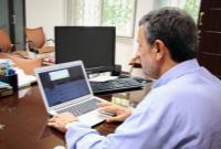 دکتر احمدینژاد: دارند سرزمين سوخته تحويل مي دهند ولی چاره دارد/ در داخل و عرصه جهاني دارند كشور را بر باد میدهن...
