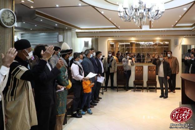 دکتر احمدی نژاد در دیدار با جمعی از مردم لرستان: انقلاب ملت ایران به یک واژه مظلوم تبدیل شده است!