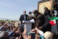 حضور و سخنرانی دکتر احمدی نژاد در همایش مردمی وکیل الرعایا در روستای کلنگانه استان لرستان