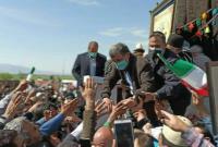 لحظاتی از بدرقه دکتر احمدینژاد پس از سخنرانی در همایش وکیل الرعایا
