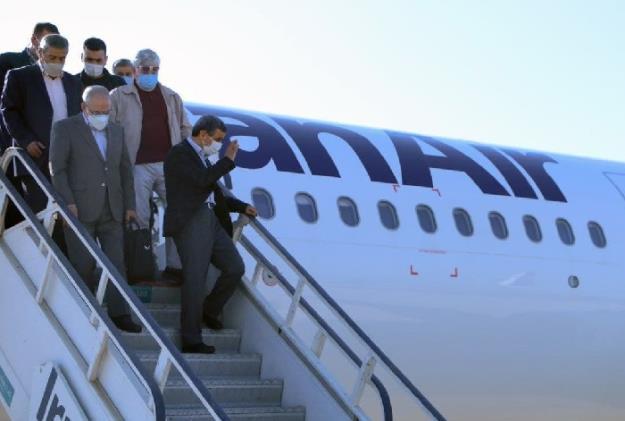 حضور و سخنرانی دکتر احمدینژاد در ساحل بندر دیر به مناسبت روز خلیج فارس + فیلم و تصاویر
