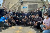 دیدار و گفتگوی عزاداران سالروز شهادت امام علی(ع) با دکتر احمدینژاد در میدان ۷۲ نارمک