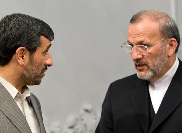 تصمیم برکناری متکی از وزارت امور خارجه مستظهر به موافقت و تاکید مقام عالیرتبه بود