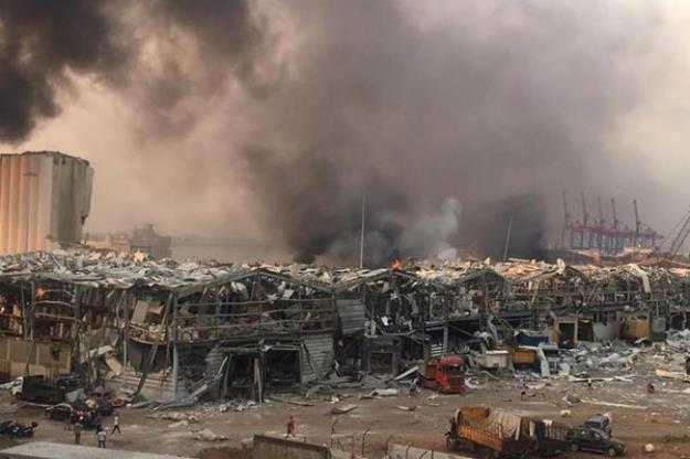 انفجار مهیب در بندر بیروت لبنان با 100 کشته و 5000 زخمی + تصاویر