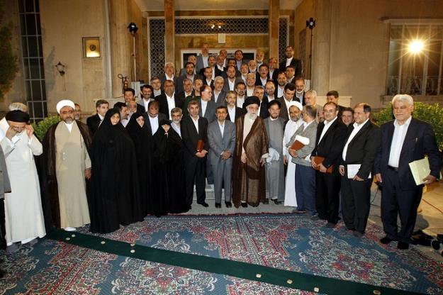 بازخوانی بیانات رهبر انقلاب در پایان هشت سال خدمت دکتر احمدینژاد و آخرین دیدار با هیات دولت دهم + فیلم و تصاویر