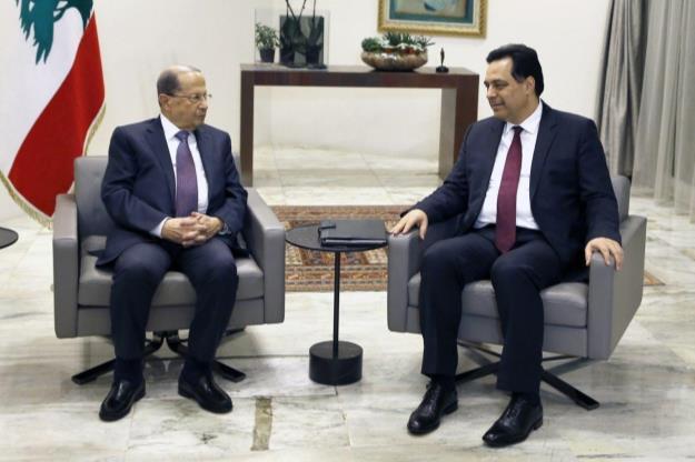 حسان دیاب استعفای دولت را با میشل عون مطرح کرد