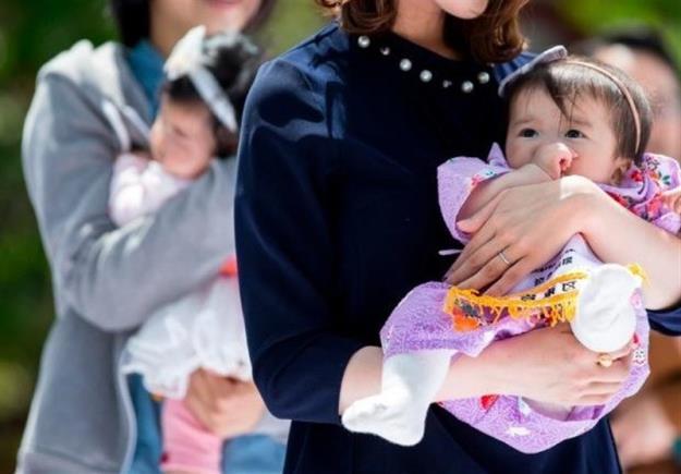 ۳ سال مرخصی با حقوق برای مادران شاغل سوئیسی!
