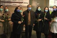قدردانی دکتر احمدینژاد از زحمات پرستاران و کادر درمان با حضور در یکی از بیمارستانهای تهران + فیلم و تصاویر